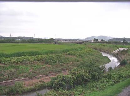 庄内川飯塚市役所頴田支所ライブカメラは、福岡県飯塚市勢田の飯塚市役所頴田支所に設置された庄内川が見えるライブカメラです。