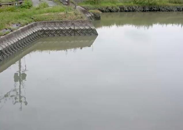 牛津川芦刈第二排水機場ライブカメラは、佐賀県小城市芦刈町の芦刈第二排水機場に設置された牛津川が見えるライブカメラです。