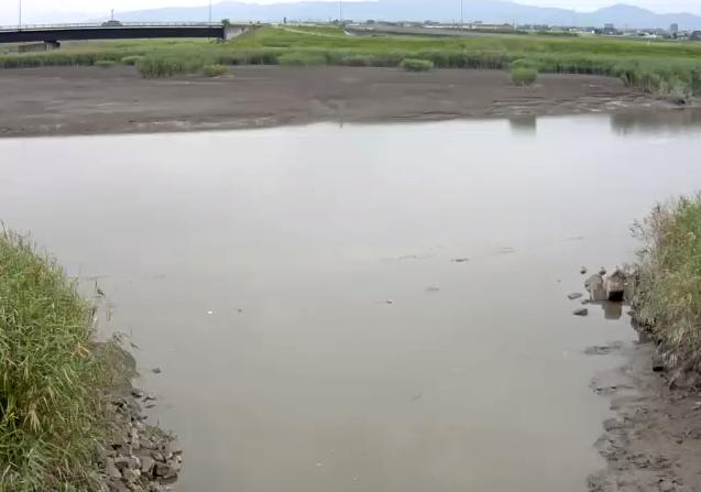 牛津川三王崎排水機場Bライブカメラは、佐賀県小城市芦刈町の三王崎排水機場に設置された牛津川が見えるライブカメラです。
