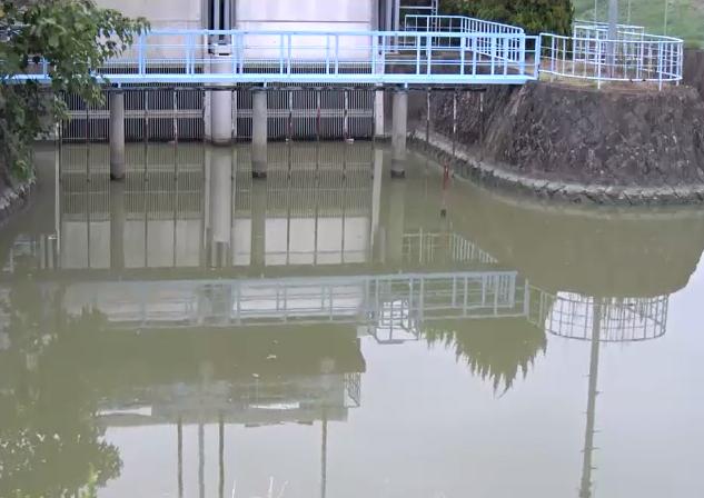 牛津川一本松排水機場ライブカメラは、佐賀県小城市芦刈町の一本松排水機場に設置された牛津川が見えるライブカメラです。