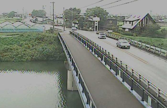 波介川弥九郎橋ライブカメラは、高知県土佐市塚地の弥九郎橋に設置された波介川が見えるライブカメラです。