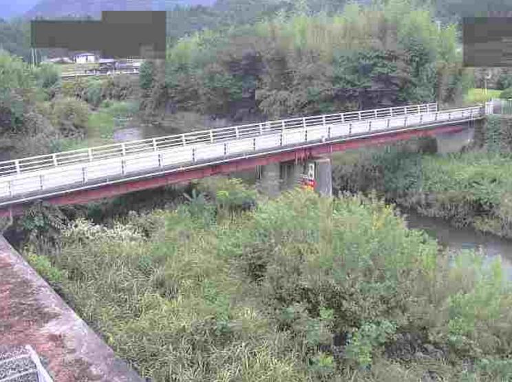 湊川与田山ライブカメラは、香川県東かがわ市の与田山に設置された湊川が見えるライブカメラです。