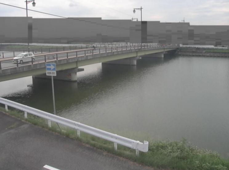 新川新川橋ライブカメラは、香川県高松市屋島西町の新川橋に設置された新川が見えるライブカメラです。