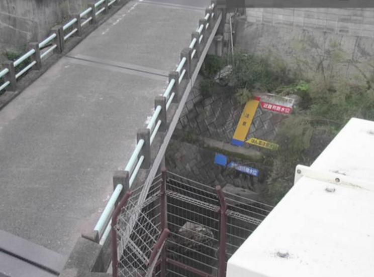 本津川国分寺ライブカメラは、香川県高松市国分寺町の国分寺に設置された本津川が見えるライブカメラです。