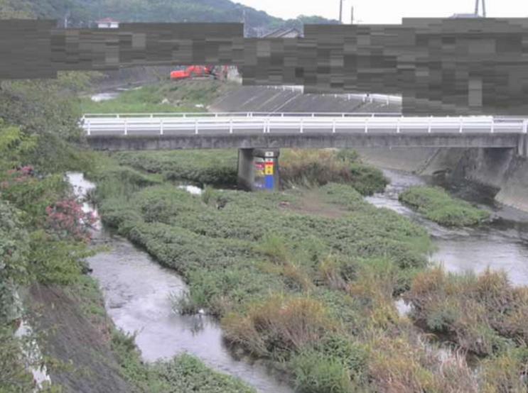 金倉川高藪橋ライブカメラは、香川県琴平町高藪の高藪橋に設置された金倉川が見えるライブカメラです。