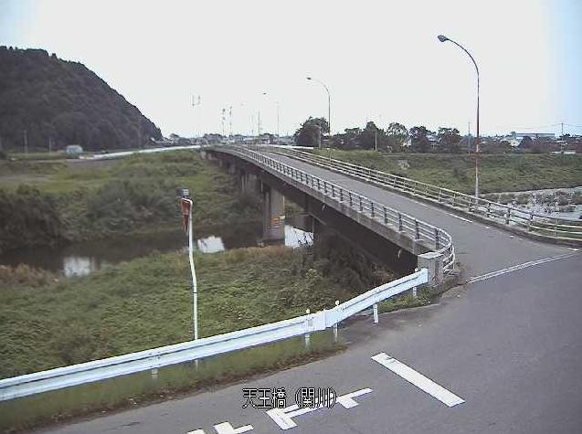 関川天王橋ライブカメラは、愛媛県四国中央市土居町の天王橋に設置された関川が見えるライブカメラです。