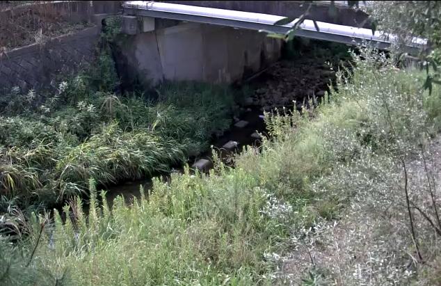 八多川小名田橋ライブカメラは、兵庫県神戸市北区の小名田橋に設置された八多川が見えるライブカメラです。