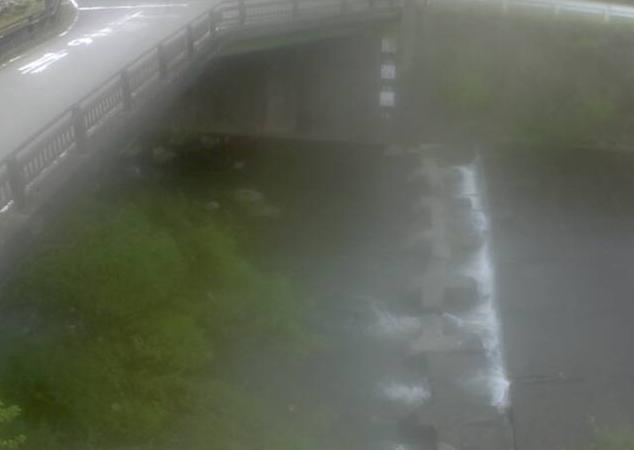 照来川飯野ライブカメラは、兵庫県新温泉町の飯野に設置された照来川が見えるライブカメラです。