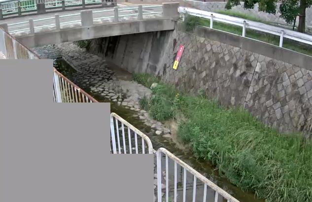石屋川水道橋ライブカメラは、兵庫県神戸市灘区の水道橋に設置された石屋川が見えるライブカメラです。