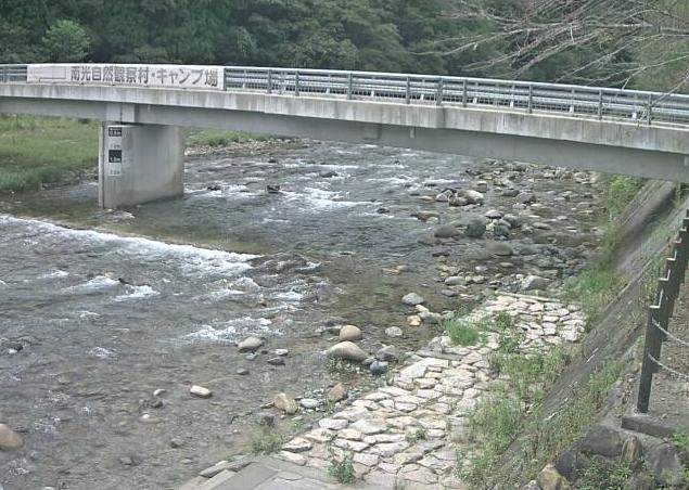 千種川船越ライブカメラは、兵庫県佐用町船越の船越(長林橋)に設置された千種川が見えるライブカメラです。