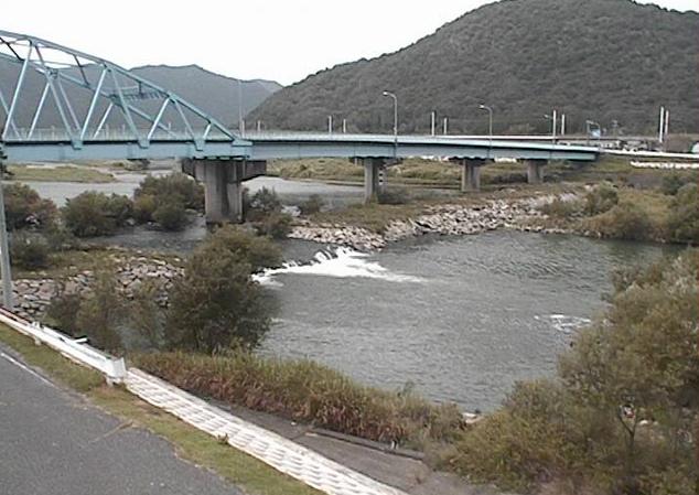 千種川高雄ライブカメラは、兵庫県赤穂市の高雄(高雄橋)に設置された千種川が見えるライブカメラです。