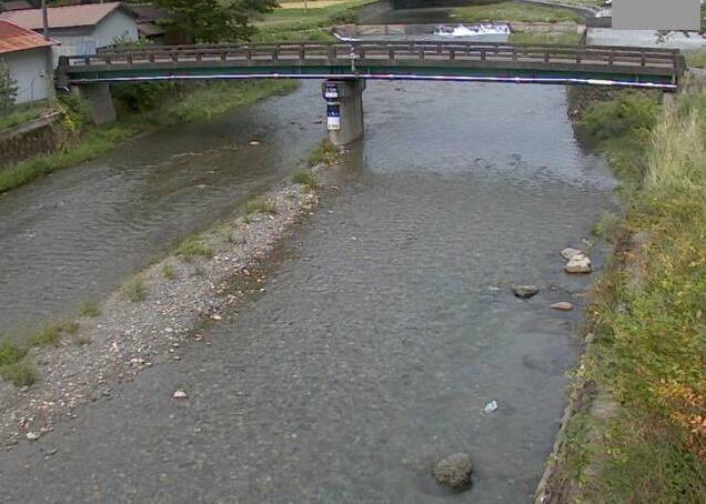 揖保川百千家満ライブカメラは、兵庫県宍粟市一宮町の百千家満(砂出河原橋)に設置された揖保川が見えるライブカメラです。