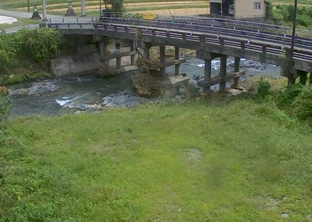 公文川三方町ライブカメラは、兵庫県宍粟市一宮町の三方町(高見橋)に設置された公文川が見えるライブカメラです。更新は2分間隔で、独自配信による静止画のライブ映像配信です。