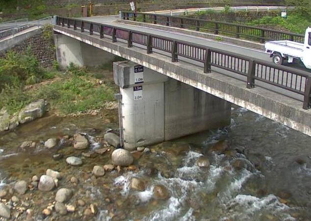 千種川千草ライブカメラは、兵庫県宍粟市千種町の千草(荒神橋)に設置された千種川が見えるライブカメラです。