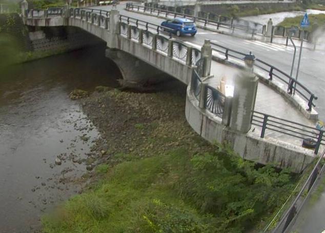市川口銀谷ライブカメラは、兵庫県朝来市生野町の口銀谷に設置された市川が見えるライブカメラです。