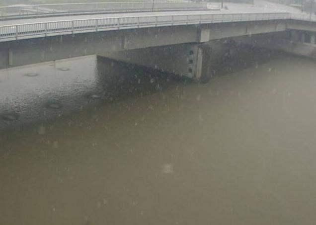 佐用川円光寺ライブカメラは、兵庫県佐用町の円光寺(円光寺橋)に設置された佐用川が見えるライブカメラです。