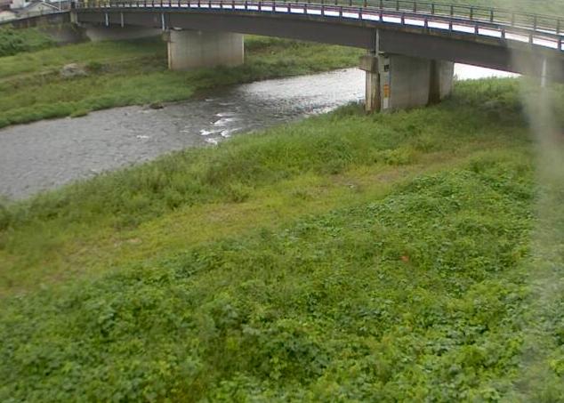 竹田川上田ライブカメラは、兵庫県丹波市島町の上田に設置された竹田川が見えるライブカメラです。