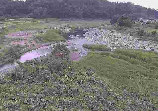 菊池川藤田ライブカメラは、熊本県菊池市の藤田に設置された菊池川が見えるライブカメラです。