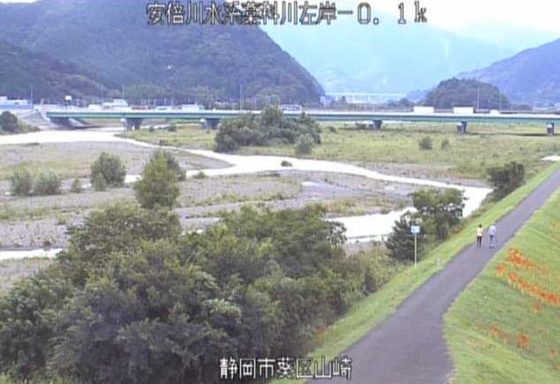 藁科川山崎ライブカメラは、静岡県静岡市葵区の山崎に設置された藁科川が見えるライブカメラです。