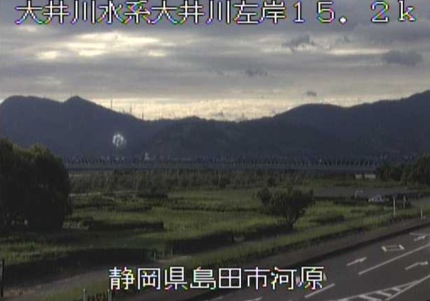 大井川河原ライブカメラは、静岡県島田市の河原に設置された大井川が見えるライブカメラです。