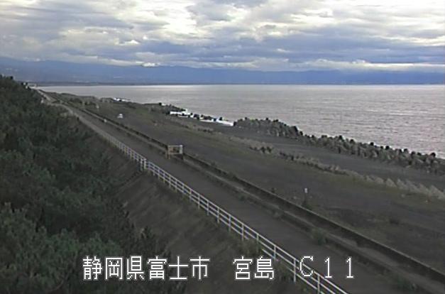 富士海岸宮島ライブカメラは、静岡県富士市の宮島に設置された富士海岸が見えるライブカメラです。