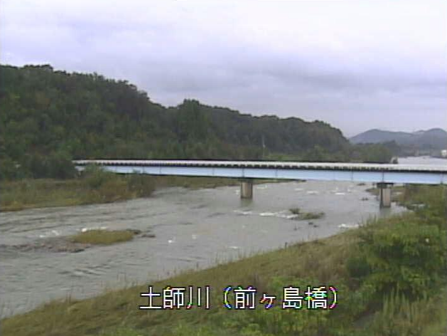 土師川前ヶ島橋ライブカメラは、京都府福知山市長田の前ヶ島橋に設置された土師川が見えるライブカメラです。