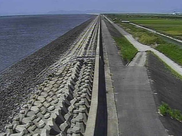 有明海川副海岸ライブカメラは、佐賀県佐賀市の川副海岸に設置された有明海が見えるライブカメラです。