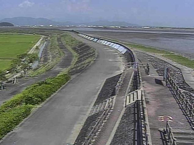 有明海鹿島海岸ライブカメラは、佐賀県鹿島市の鹿島海岸に設置された有明海が見えるライブカメラです。