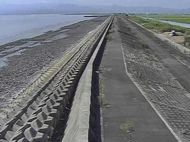 有明海有明海岸ライブカメラは、佐賀県白石町の有明海岸に設置された有明海が見えるライブカメラです。
