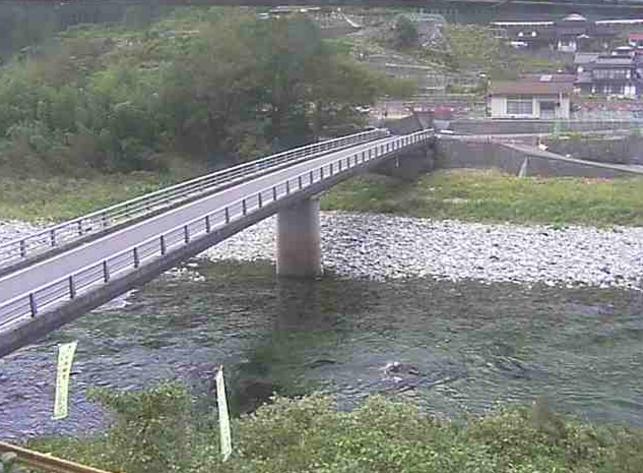 錦川川向橋付近ライブカメラは、山口県岩国市美川町の川向橋付近に設置された錦川が見えるライブカメラです。