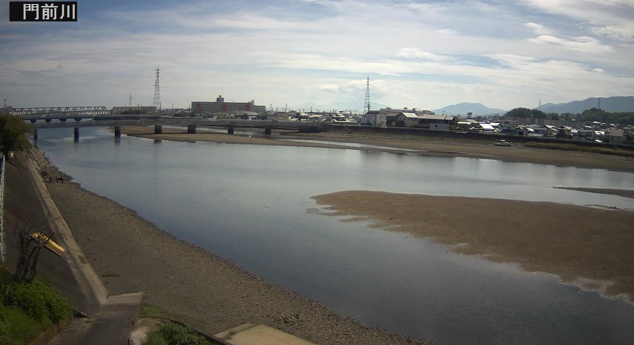 門前川門前橋付近ライブカメラは、山口県岩国市中津町の門前橋付近に設置された門前川が見えるライブカメラです。