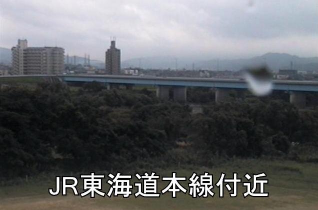 矢作川JR東海道本線ライブカメラは、愛知県岡崎市渡町のJR東海道本線に設置された矢作川が見えるライブカメラです。