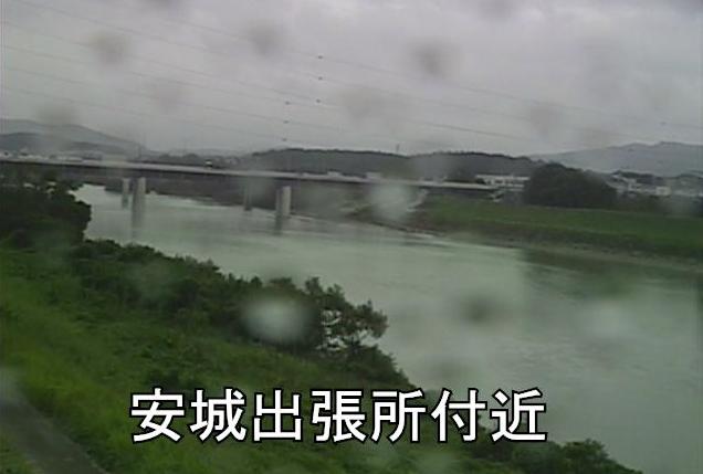 矢作川安城出張所ライブカメラは、愛知県安城市藤井町の豊橋河川事務所安城出張所に設置された矢作川が見えるライブカメラです。