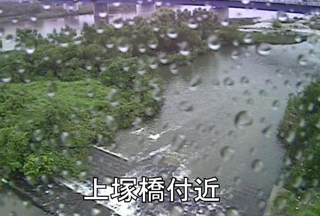 矢作川上塚橋ライブカメラは、愛知県碧南市鷲塚町の上塚橋に設置された矢作川が見えるライブカメラです。