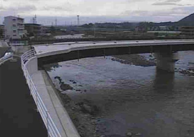 白川龍田町弓削ライブカメラは、熊本県熊本市北区の龍田町弓削(吉原橋付近)に設置された白川が見えるライブカメラです。