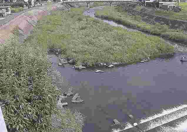 胸川間橋ライブカメラは、熊本県人吉市西間上町の間橋に設置された胸川が見えるライブカメラです。