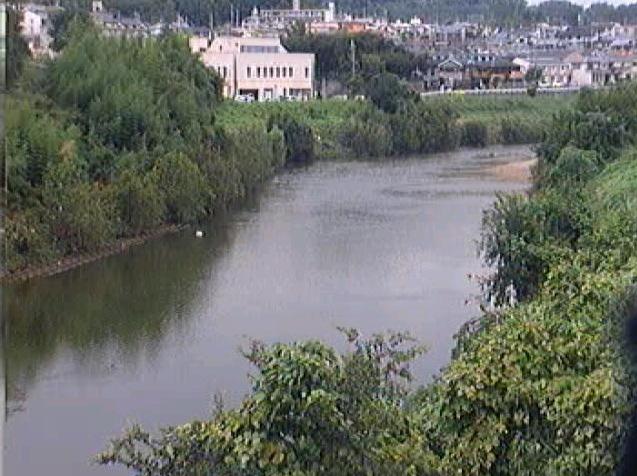 大和川藤井上流ライブカメラは、大阪府柏原市峠の藤井上流に設置された大和川が見えるライブカメラです。
