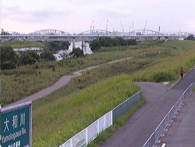 大和川柏原下流ライブカメラは、大阪府柏原市大正の柏原下流に設置された大和川が見えるライブカメラです。