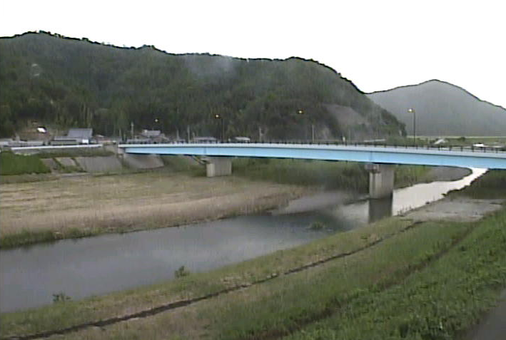北川高塚ライブカメラは、福井県小浜市高塚の高塚水位観測所に設置された北川が見えるライブカメラです。