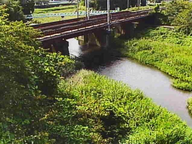 芹川上芹橋ライブカメラは、滋賀県彦根市芹町の上芹橋に設置された芹川が見えるライブカメラです。