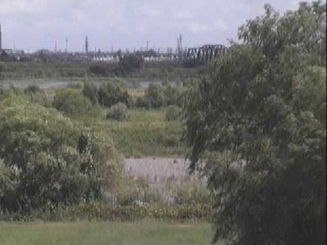 天竜川東海道線天竜川橋ライブカメラは、静岡県浜松市東区の東海道線天竜川橋に設置された天竜川が見えるライブカメラです。