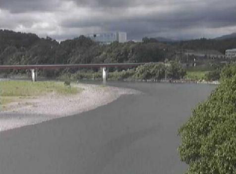 天竜川野辺地区ライブカメラは、静岡県磐田市上野部の野辺地区に設置された天竜川が見えるライブカメラです。
