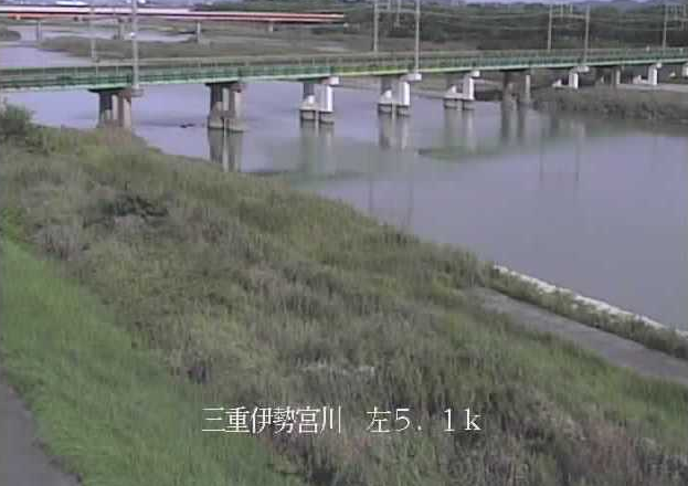 宮川近鉄宮川橋梁ライブカメラは、三重県伊勢市小俣町の近鉄宮川橋梁(近鉄山田線)に設置された宮川が見えるライブカメラです。