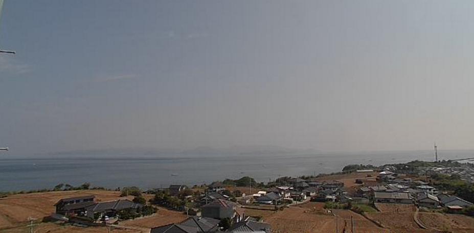通詞島五和町二江地区ライブカメラは、熊本県天草市五和町の五和歴史民俗資料館(通詞島)に設置された早崎海峡・五和町二江地区が見えるライブカメラです。