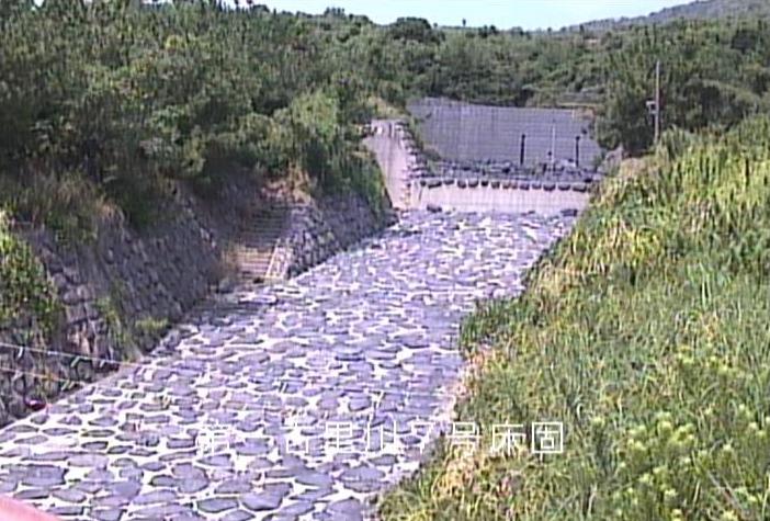 第一古里川桜島土石流状況ライブカメラは、鹿児島県鹿児島市有村町の第一古里川(第1古里川)に設置された桜島土石流状況が見えるライブカメラです。