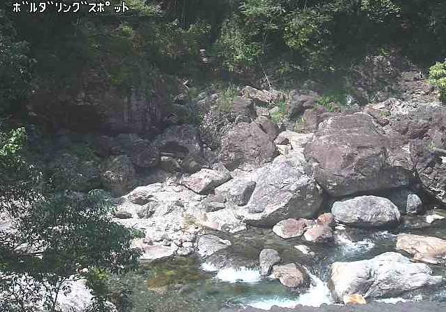 日之影川仲組地区ライブカメラは、宮崎県日之影町の仲組地区に設置された日之影川が見えるライブカメラです。