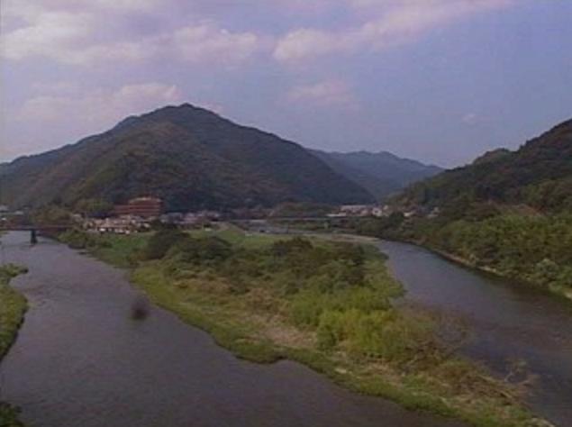 北川熊田ライブカメラは、宮崎県延岡市北川町の熊田に設置された北川が見えるライブカメラです。