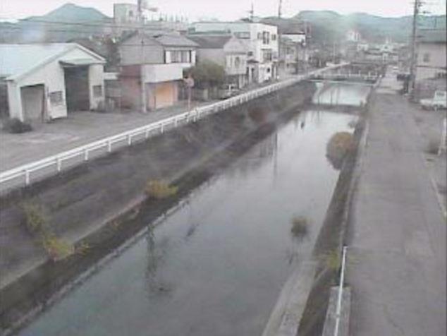 御手洗川青木橋上流ライブカメラは、高知県須崎市の青木橋上流に設置された御手洗川が見えるライブカメラです。