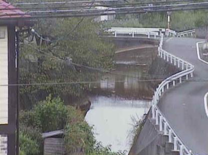 椎木川新町橋ライブカメラは、福岡県飯塚市鯰田の新町橋に設置された椎木川が見えるライブカメラです。