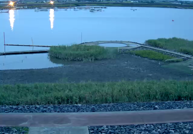 六角川海遊ふれあいパークライブカメラは、佐賀県小城市芦刈町の海遊ふれあいパークに設置された六角川が見えるライブカメラです。
